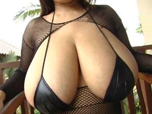 Fuko in tiny black bikini