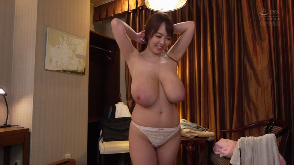 Hitomi Tanaka from the shower to bed