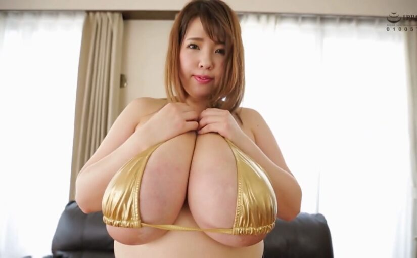 Lori Yuuki posing her impressive big tits
